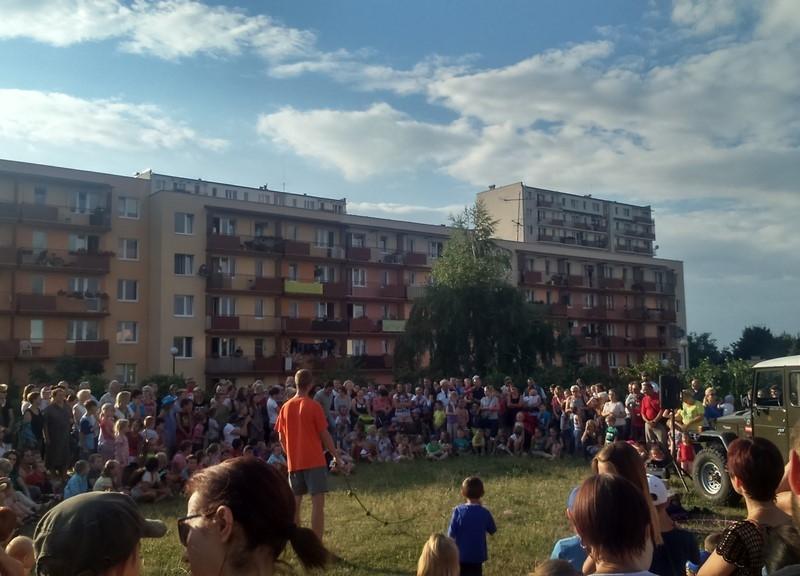 carnaval_sztuk_mistrzow_cyrk_podworkowy_bronowice_2015_17