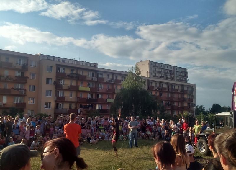 carnaval_sztuk_mistrzow_cyrk_podworkowy_bronowice_2015_18
