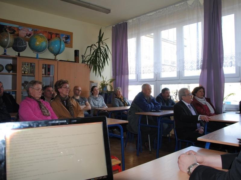 1_zebranie_z_mieszkancami_bronowic_18_04_2015_9.jpg